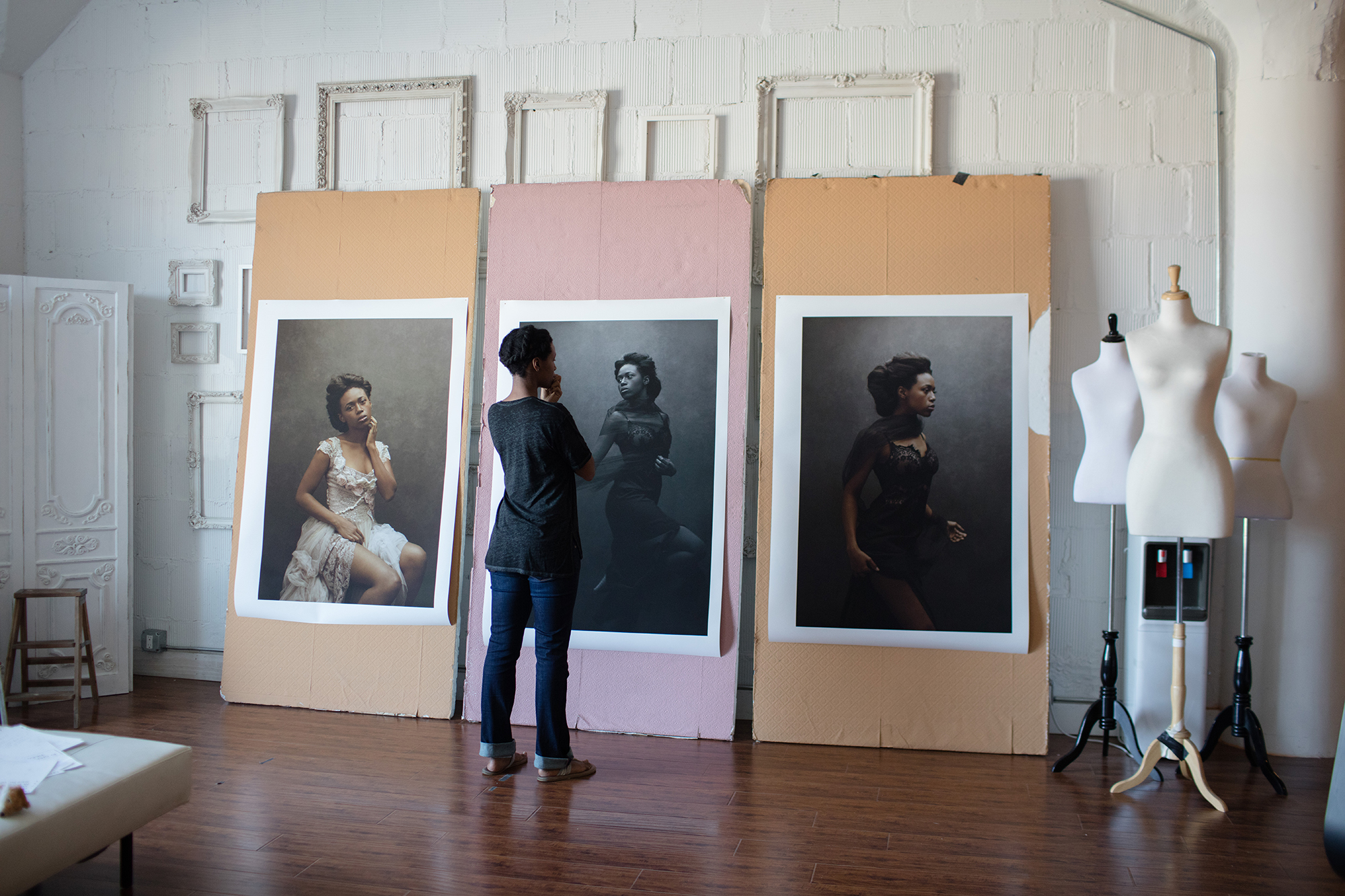 The Power Of Print Sue Bryce S Large Scale Portraits