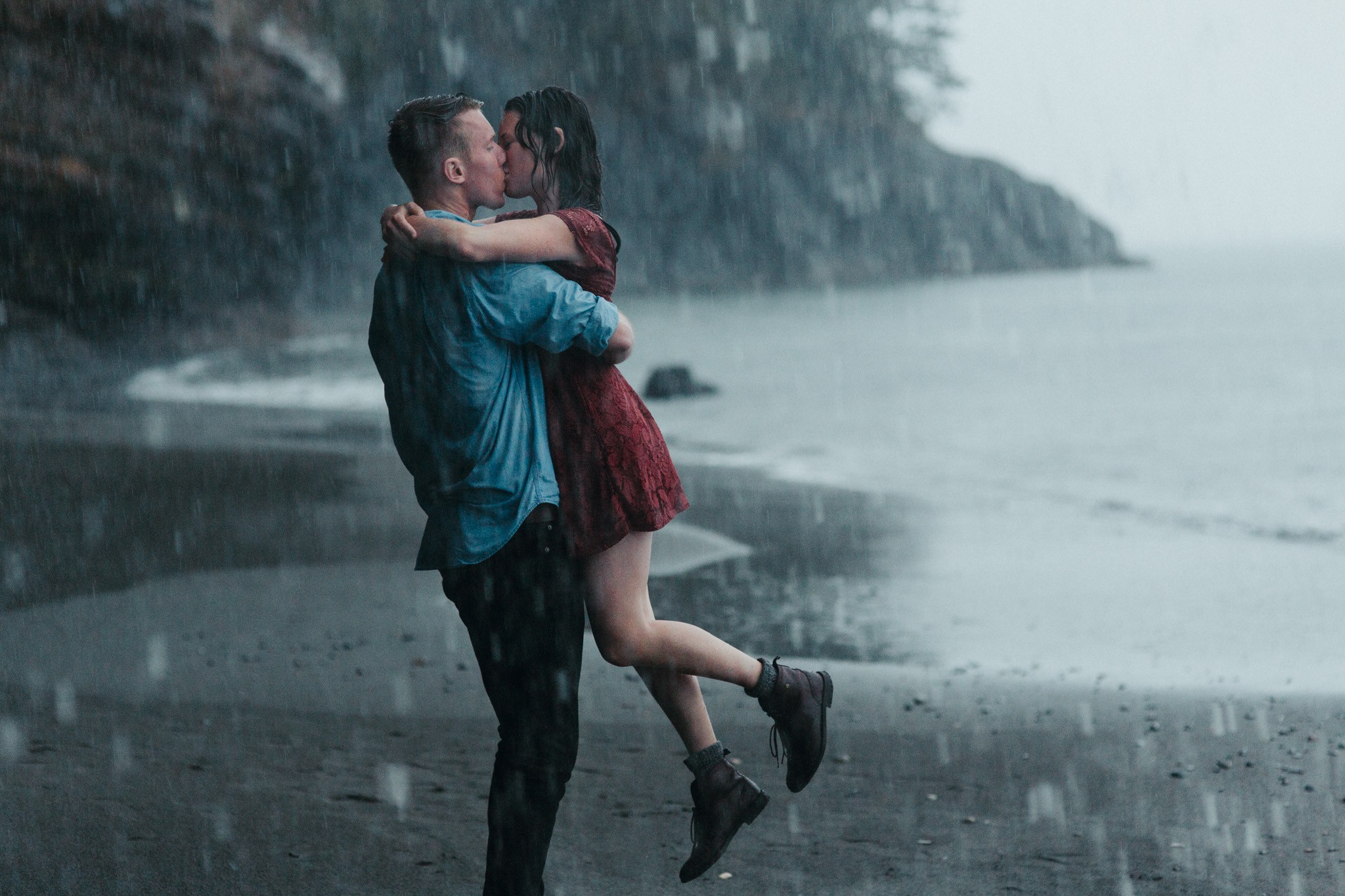 сказать под дождем картинки пар целующихся первой линии том